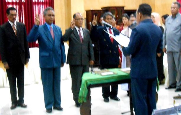 Lambert Ibi Riti Masuk Arsip, Biro Humas Lowong